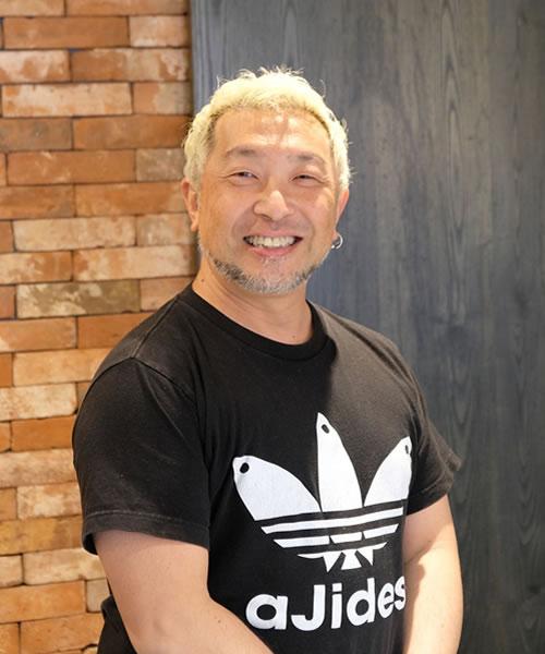 PUEBLO HAIR LABOオーナー:Toshito Hakui
